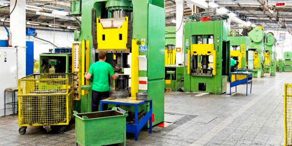 NR 12 - Manutenção de máquinas